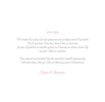 Druck auf Seite 1 des Gästebuches. Hier kann eine Einleitung, persönliche Daten, ein Trauspruch, eine Begrüßung oder ähnliches in einer Schriftart und Schriftfarbe Ihrer Wahl gedruckt werden.