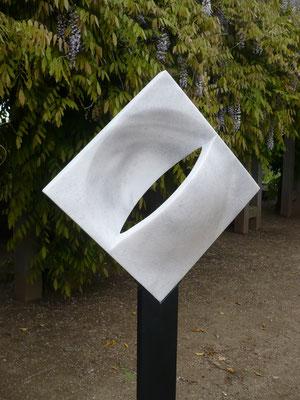 """""""Kreisinquadrat"""" Marmor 50 cm"""