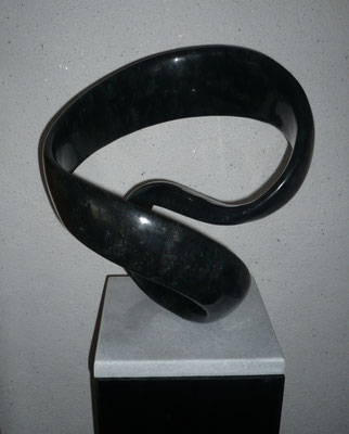 """Möbius"" Diabas 40 cm"