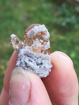 Topaskristall  ca. 2 cm