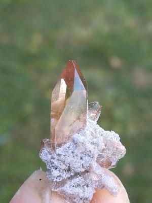 flächenreicher Topaskristall  ca. 2 cm ander Ansicht
