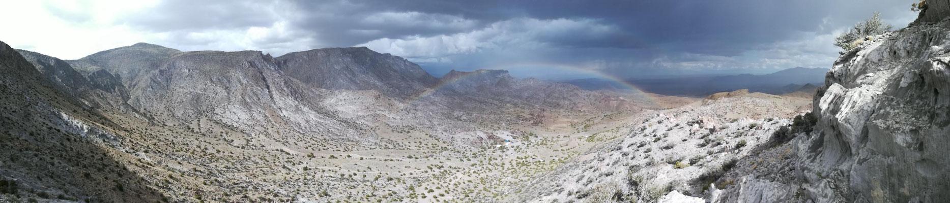 über dem Regenbogen