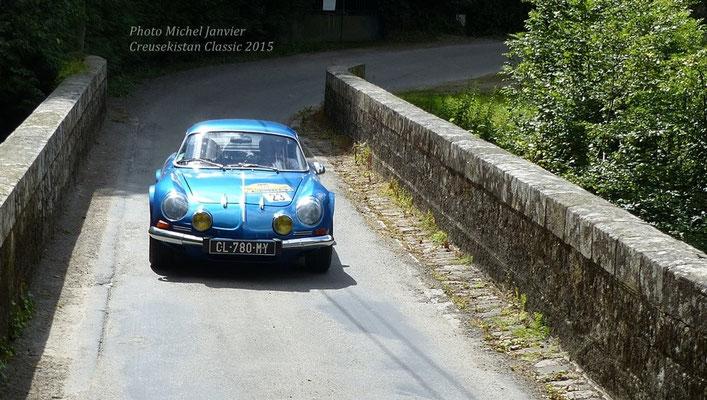 L'Alpine-Renault 1600S de Jean-Pierre Jabouille et Françoise Occhiminuti.
