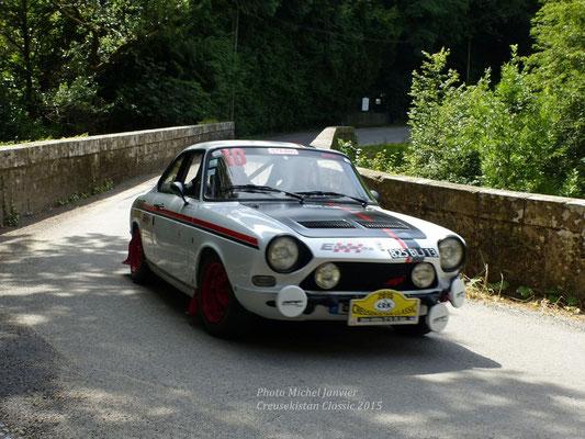 Guy et Christiane Priam foncent sur leur sportive Simca 1200S.