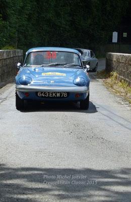 La charmante Lotus Elan S4 de Jean-Pierre et Catherine Naveau.