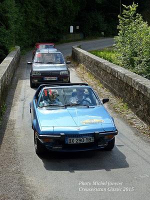 Dominique et Denis Reynaud dans leur Fiat X 1/9.