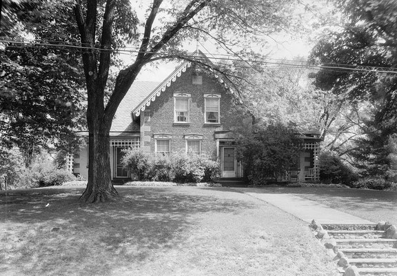 Original HABS photograph of the C.R. Howard House from the 1930s