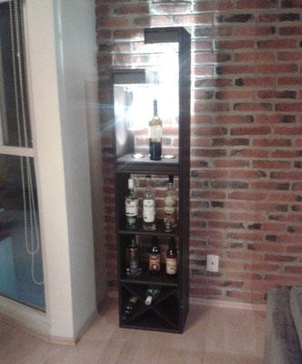 Cantina con Luz con Cava 12 Botellas 1.70 Mts. X .40 Frente X .30 Fondo 4 Niveles  $ 2780.00