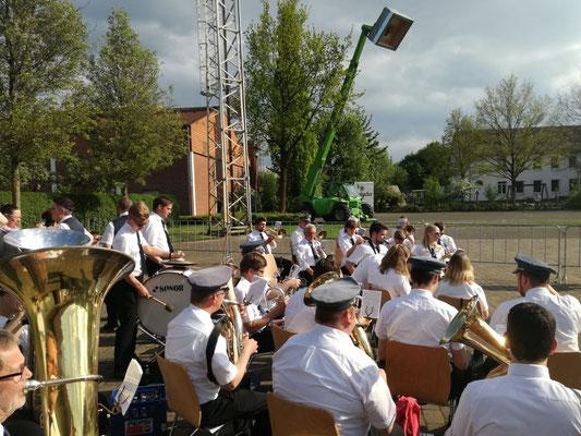 Begleitung des Scharmeder Vogelschießens 2017 durch den Musikverein Jugendlust Scharmede