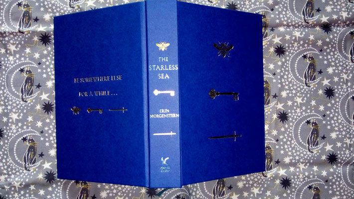 "Illumicrate naked Hardcover zu ""The Starless Sea"""
