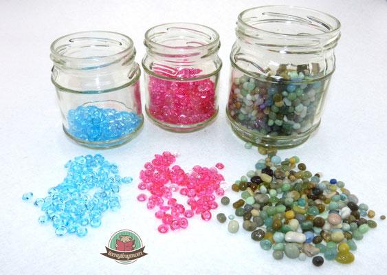 Dekolinsen oder winzige runde Steine als Füllmaterial verwenden