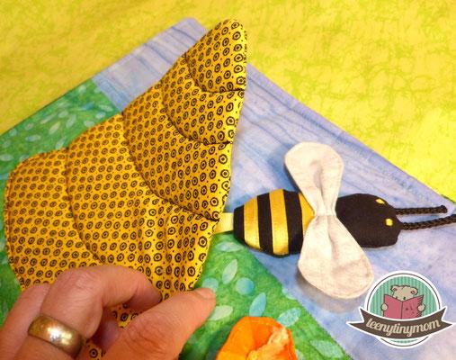 Hier habe ich in dem Baby Tedddy Buch ein Bienenhaus nach dem gleichen Prinzip genäht