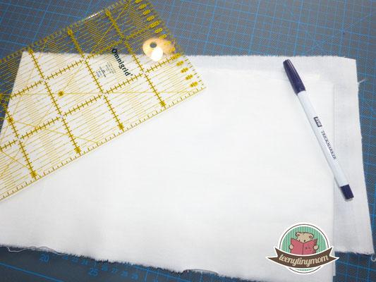 hellen dünnen Stoff als Untergrund nehmen, ich habe das Lineal als Schablone verwendet 30 x 15cm aufzeichen - ich benutze einen Zauberstift