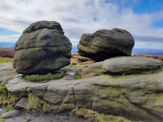 The Kissing Stones, Bleaklow