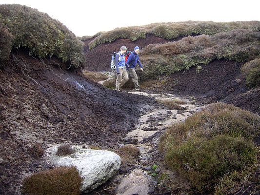 Walking in a grough. Kinder Scout