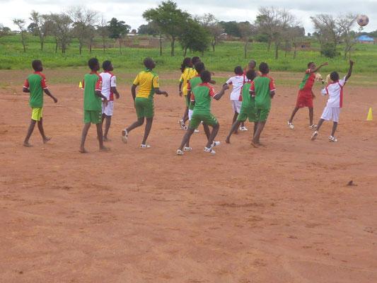 Training während des Fußball-Bildungscamps, August 2015