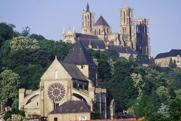 Cathédrale de Laon et église de Vaux