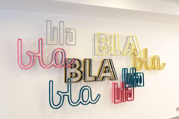 Barbara Reck-Irmler · BLA BLA BLA, installation · 2018 · textile, plywood, shelf brackets · 280 x 160 x 20 cm · private collection