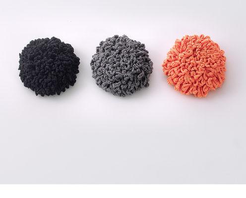 3 Flowers, Wandinstallation • 2015 • Textil, Schichtholz • Ø je 36 cm