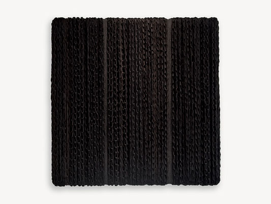 Barbara Reck-Irmler: BOX Nr. 11 schwarz/schwarz • 2018 • Textil, Holz • 72 x 72 x 10 cm • Privatsammlung
