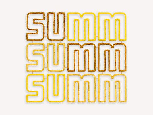 Barbara Reck-Irmler: summ summ summ • 2018 • Textil, Schichtholz • 96 x 86 cm • Privatsammlung