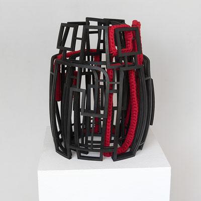 Barbara Reck-Irmler · Schriftrolle Nr. 1 – ihr ihr ihr ihr ihr ich · 2020 · Gummi, Textil · ca. 33×31×37 cm · Privatsammlung