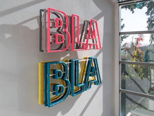 Barbara Reck-Irmler: BLA BLA BLA Installation • 2018 • Textil, Schichtholz, 7 Teile • 99 x 89 x 20 cm • Privatsammlung