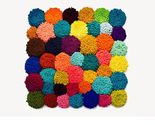 Barbara Reck-Irmler: Installation Flowers • 2017 • Textil, Schichtholz • 180 x 180 cm