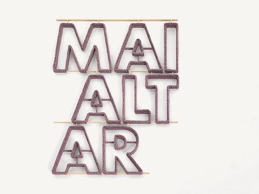 Barbara Reck-Irmler · MAIALTAR · 2016 · Textil, Schichtholz · 71 x 91 x 2,5 cm