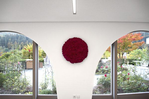 Barbara Reck-Irmler: FLOWER • 2017 • Textil, Schichtholz • Ø 70 cm