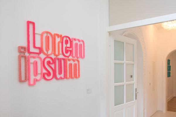 Barbara Reck-Irmler · lorem ipsum · 2017 · textile, plywood · 105 x 65 x 2,5 cm