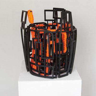 Barbara Reck-Irmler · Schriftrolle Nr. 2 – ich du er sie es wir ihr sie · 2020 · rubber, textile · 33 x 37 x 31 cm