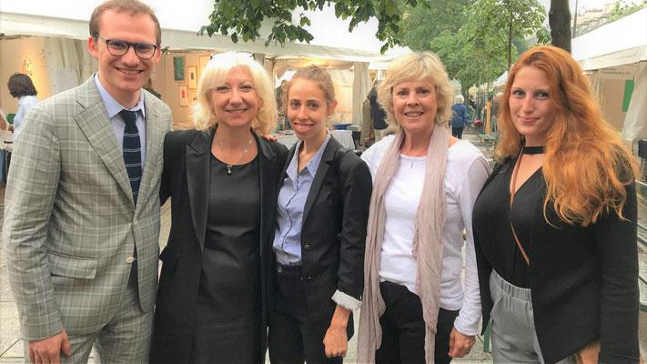 Au marché de la poèsie à Paris, le Québec à l'honneur avec la poétesse Helène Dorion, l'auteure et relationniste Jo Ann Champagne, Frédérique Filiatrault et Myriam Fortin