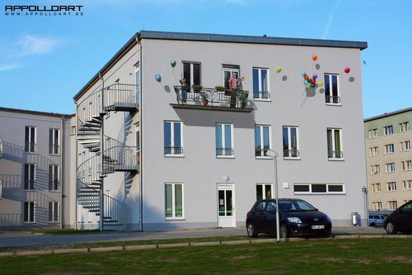 Wandarbeiten bei schönen Temperaturen mit Graffitikünstler aus Berlin Bayern Ostssee Spree