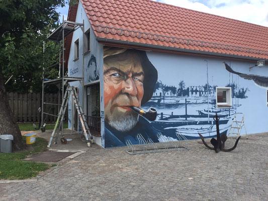 Fassadenbild Wasser Motive in 3d mit Graffiti aus der Dose gemalt