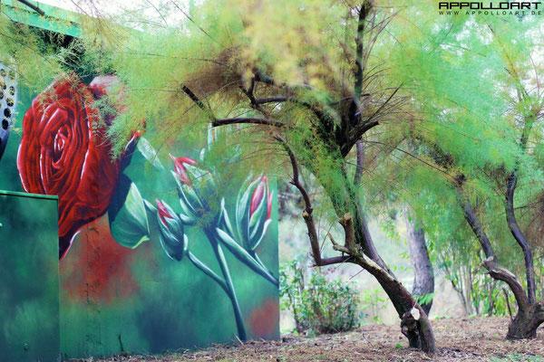 Fassadenbilder malen lassen auf Mietshaus Graffiti Berlin