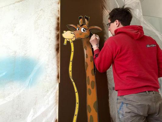 giraffe graffiti professionelle wandmalerei im innenraum