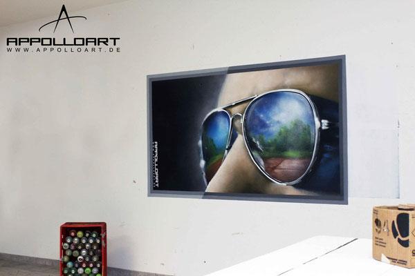 Das Bild im Bild Sonnenbrille auf die Wand gemalt- Wandmalerei Brandneburg