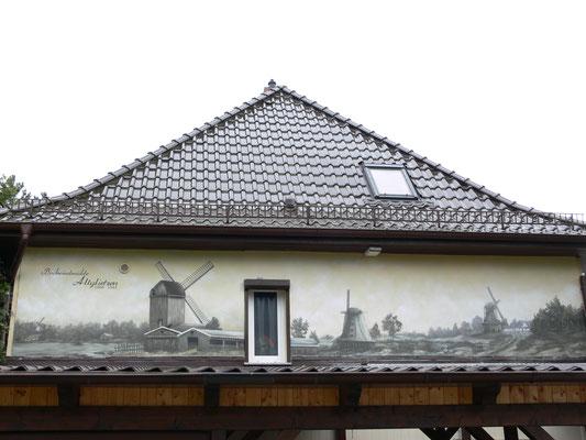 Fassadenbild auf alt gemacht Brandenburg . gemalt mit sepia