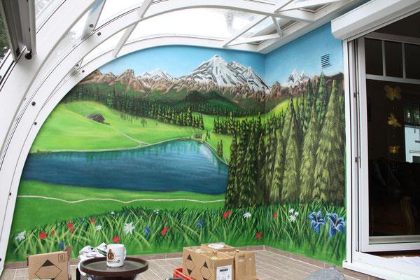 Wintergarten mal anders Alpenlandschaft, aus kahler Wand ein Wandbild gezaubert Hallle