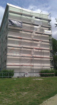 Fassadenkünstler verschönern für Wohnungsbaugesellschaft Fassaden Giebel mit Kunstwerk Prenzlau Strausberg