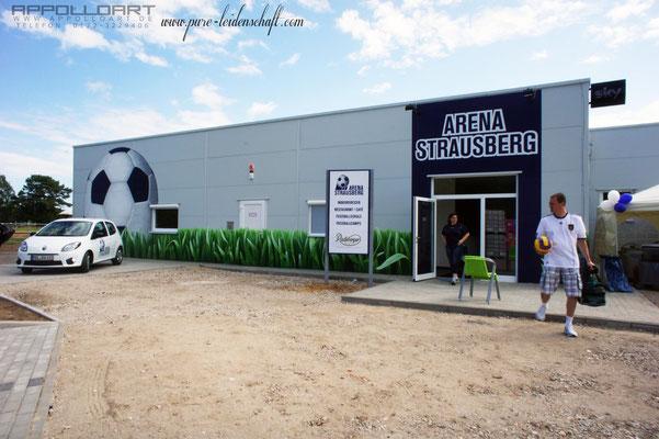 Fassadengestaltung Märkich-Oderland für die erste Fußball Indoorhalle Strausbergs