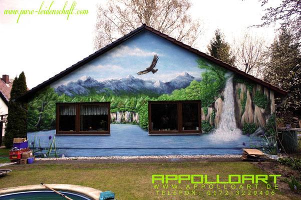 Eigenheim bemalt mit Graffitifarbe Graffitikunst Art Fredersdorf