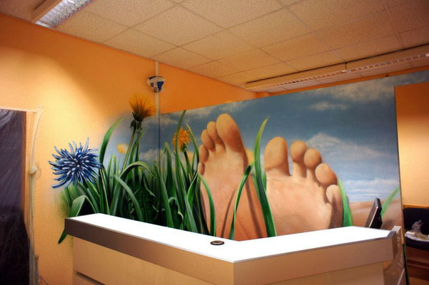 Die dekorative Wandgestaltung und Wandmalerei ob im Innen- oder Außenbereich, verleiht nüchternen, kahlen Wänden und Räumen ein individuelles Design und somit ein besonderes Ambiente.