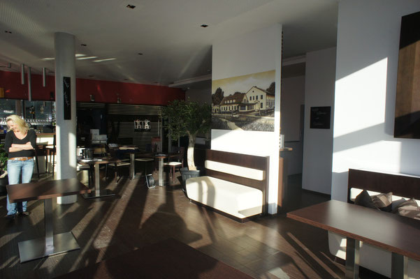 Gaststättenausstatter mit Appolloart Fassadenkunst im Innenraum