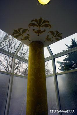 Säulen Malerei von bunt bis Marmoroptik Graffitiauftrag für Innenraumgestaltung