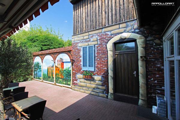Restaurant in Berlin Köpenick Innenhof Gestaltet Airbrush Wandmalerei Fassadenkunst
