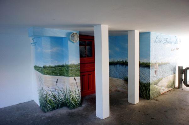 Ostseemotive gemalt auf wand der Tiefgarage Potsdam