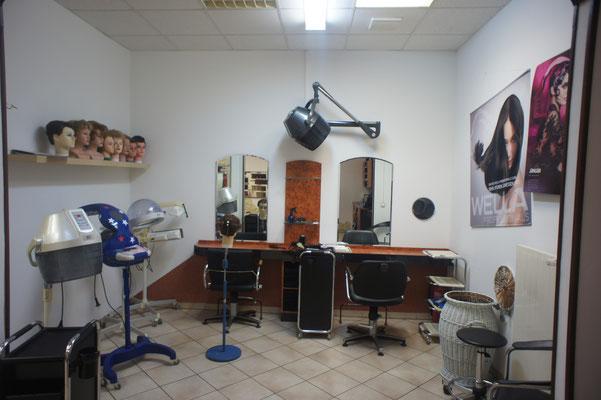 Friseur vorher , als wir noch nicht gemalt gesprayt und geairbrusht haben Wandmalerei im Innenraum für Unternehmen