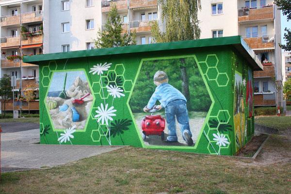 moderne 3d Malerei aus der Graffitidose auf die Stromfassade des Stromhauses gemalt